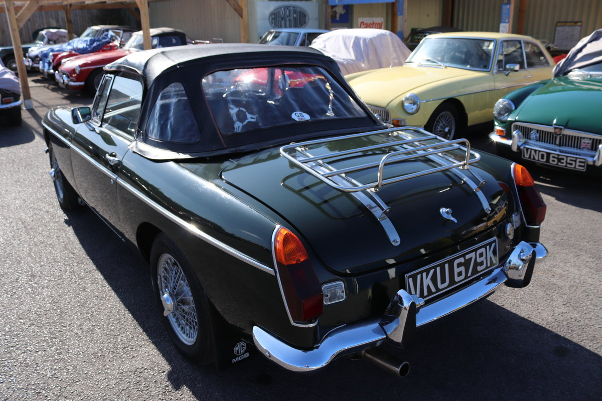 1972 MGB HERITAGE SHELL in BRG For Sale (picture 5 of 6)