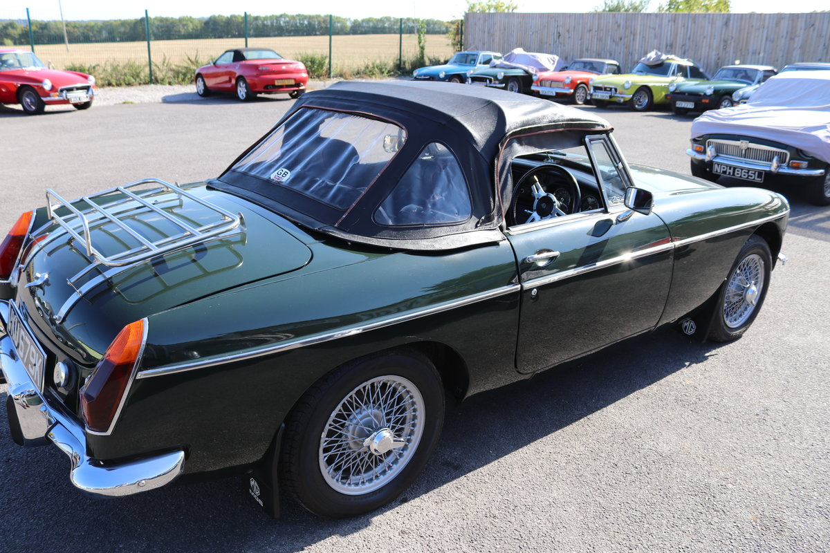 1972 MGB HERITAGE SHELL in BRG For Sale (picture 6 of 6)