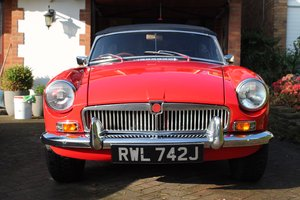 MGB roadster Heritage shell rebuild in flame red