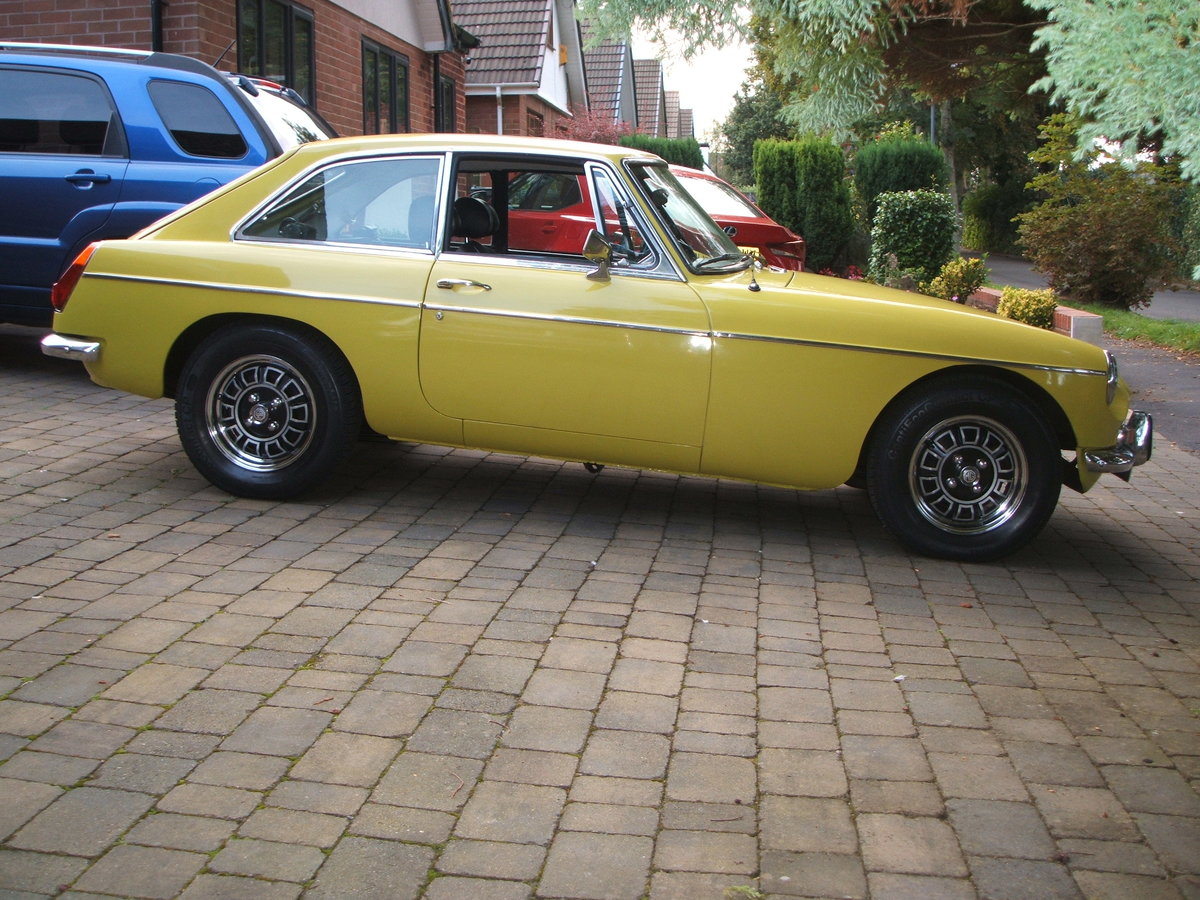 1974 Factory MGB GT V8 For Sale (picture 2 of 6)