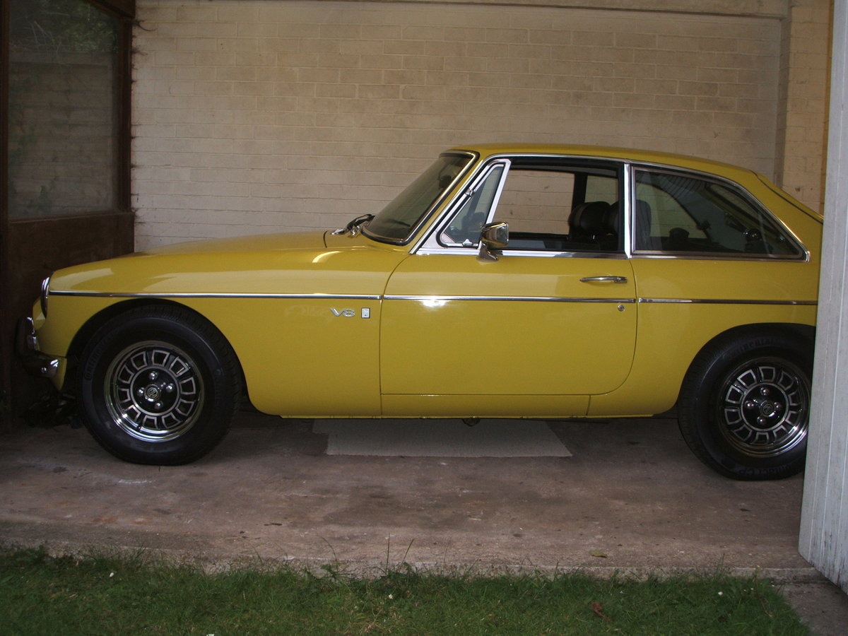 1974 Factory MGB GT V8 For Sale (picture 3 of 6)
