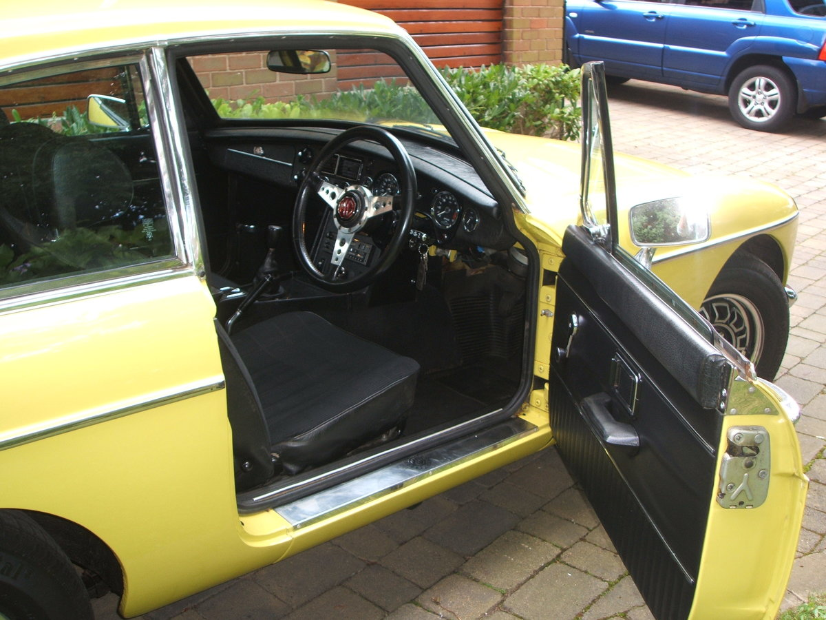 1974 Factory MGB GT V8 For Sale (picture 4 of 6)