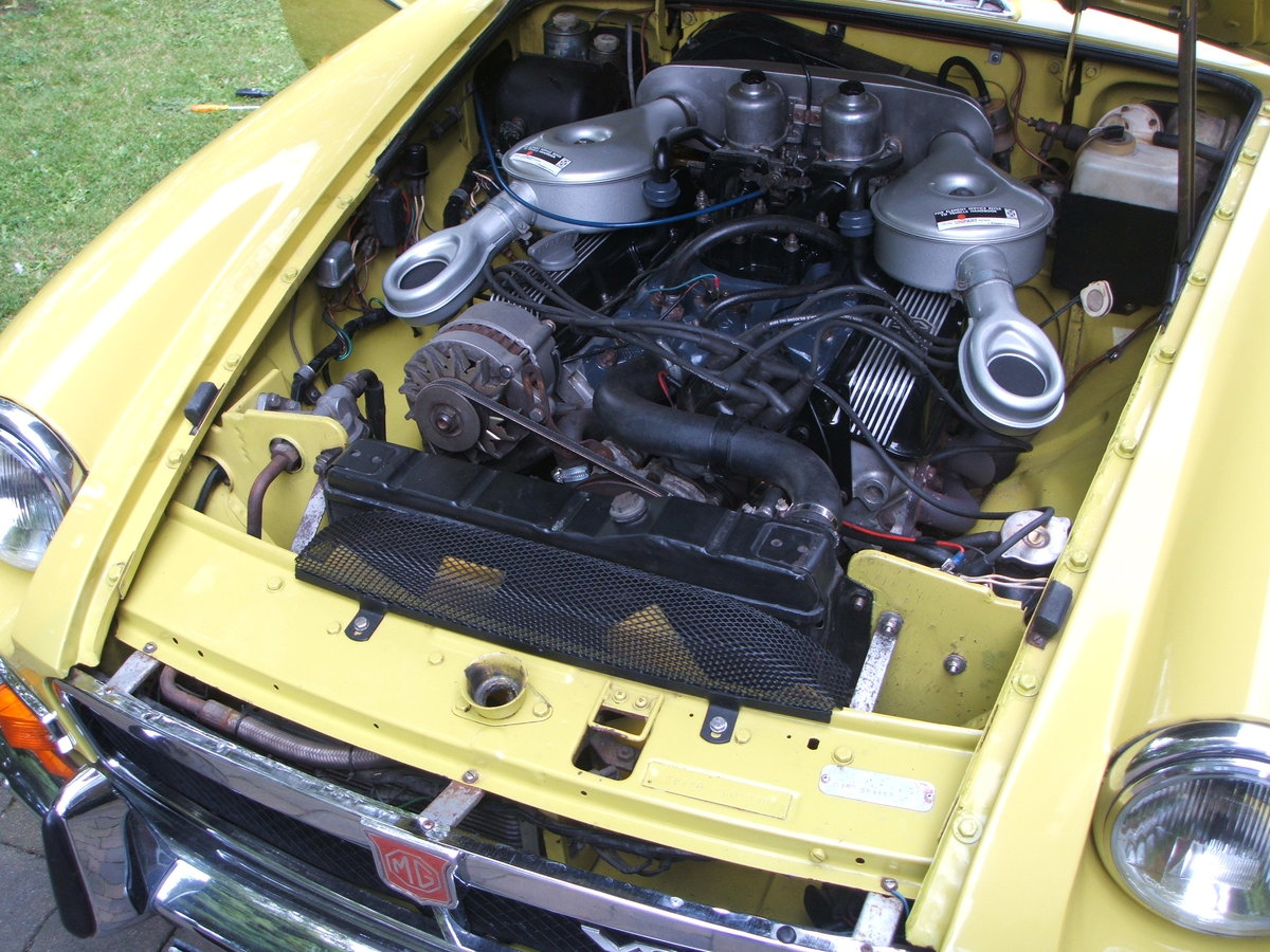 1974 Factory MGB GT V8 For Sale (picture 5 of 6)
