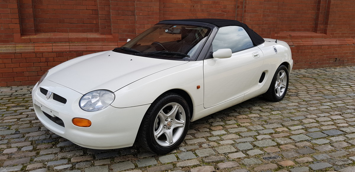 1997 MG MGF MODERN CLASSIC 1.8i SOFT / HARD TOP CONVERTIBLE * For Sale (picture 4 of 6)