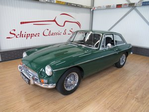1969 MG B GT Coupé Britisch Racing Green / Wired wheels