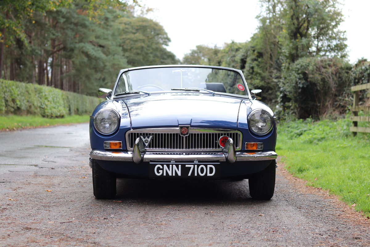 1966 MGB Roadster - Fully Rebuilt, UK Car, PAS For Sale (picture 2 of 19)