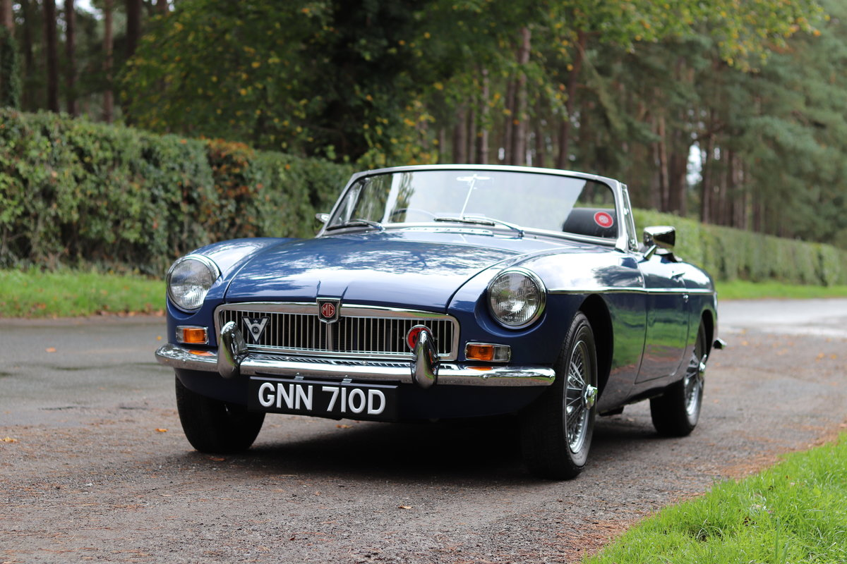 1966 MGB Roadster - Fully Rebuilt, UK Car, PAS For Sale (picture 3 of 19)