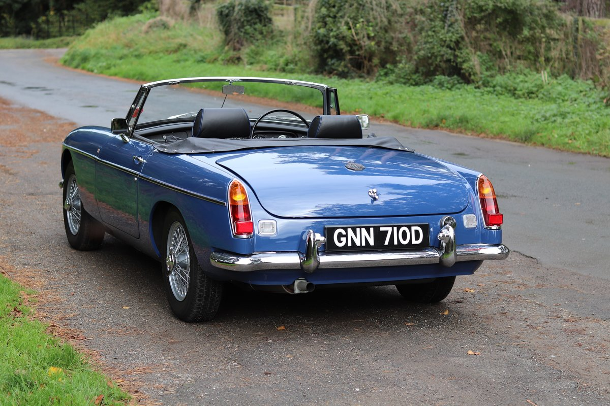 1966 MGB Roadster - Fully Rebuilt, UK Car, PAS For Sale (picture 4 of 19)