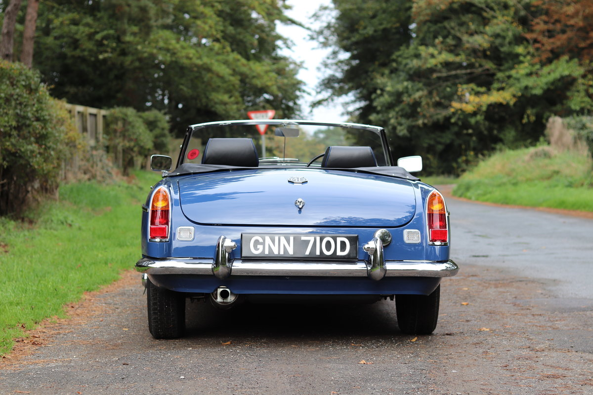 1966 MGB Roadster - Fully Rebuilt, UK Car, PAS For Sale (picture 5 of 19)