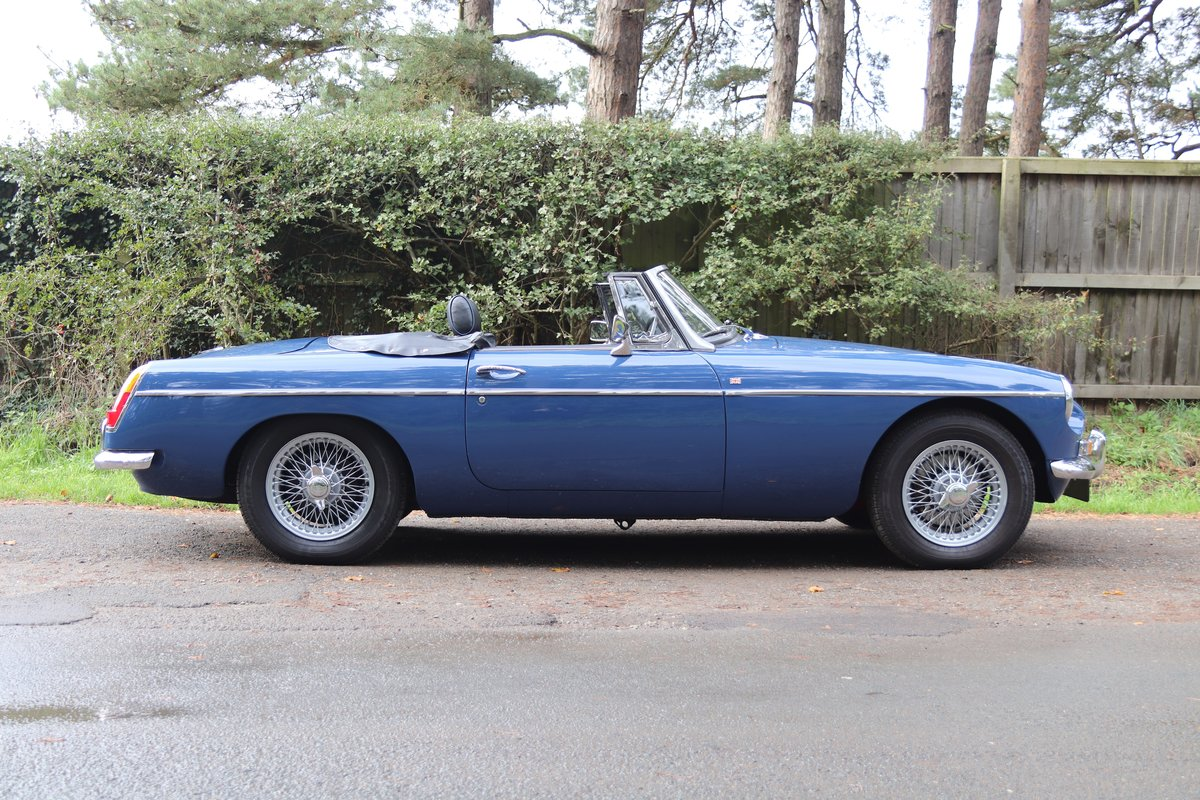 1966 MGB Roadster - Fully Rebuilt, UK Car, PAS For Sale (picture 7 of 19)