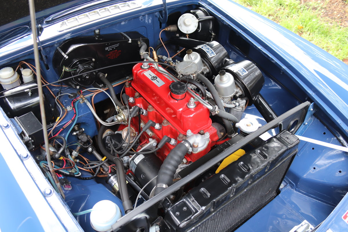 1966 MGB Roadster - Fully Rebuilt, UK Car, PAS For Sale (picture 15 of 19)