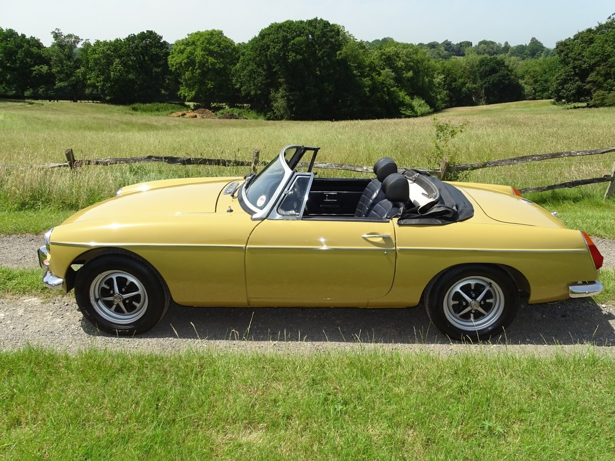 1973 Lovely matching numbers MGB,Heritage certificate,69000 miles SOLD (picture 2 of 6)