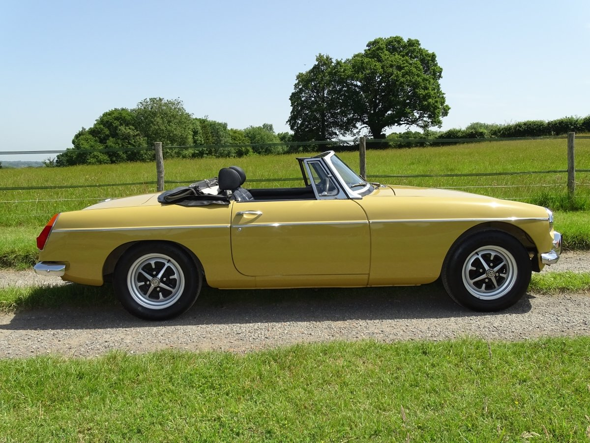 1973 Lovely matching numbers MGB,Heritage certificate,69000 miles SOLD (picture 3 of 6)