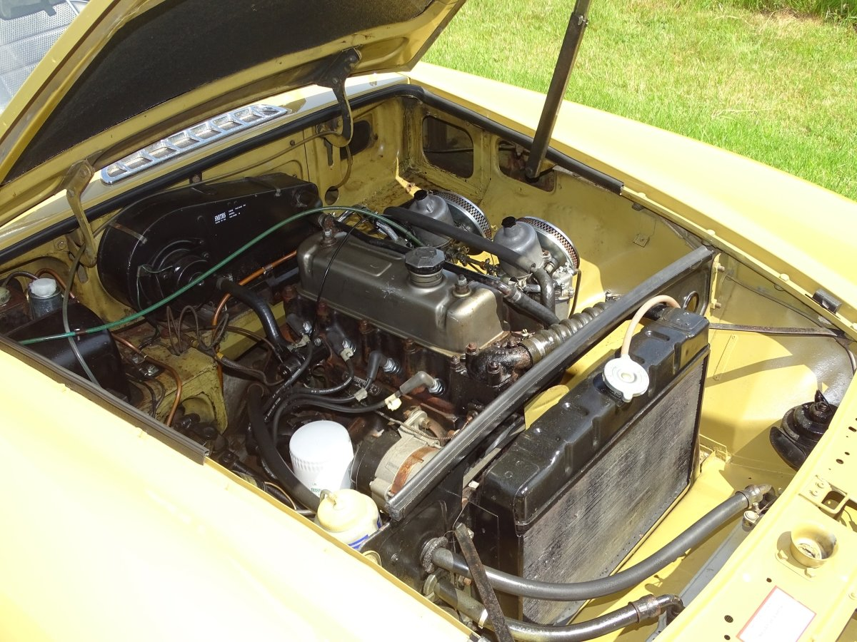 1973 Lovely matching numbers MGB,Heritage certificate,69000 miles SOLD (picture 6 of 6)
