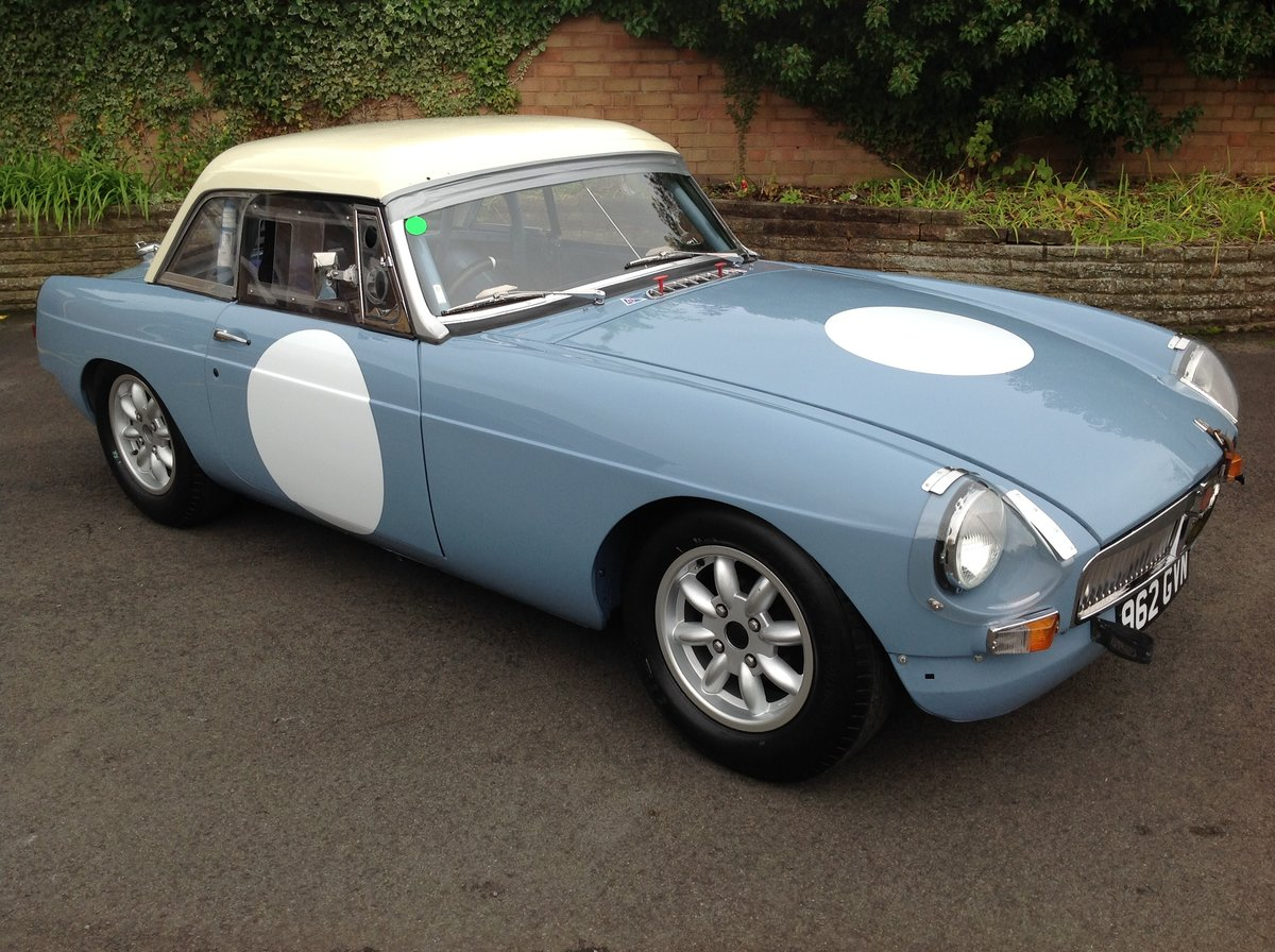 1964 MGB FIA Historic Race Car SOLD (picture 1 of 6)