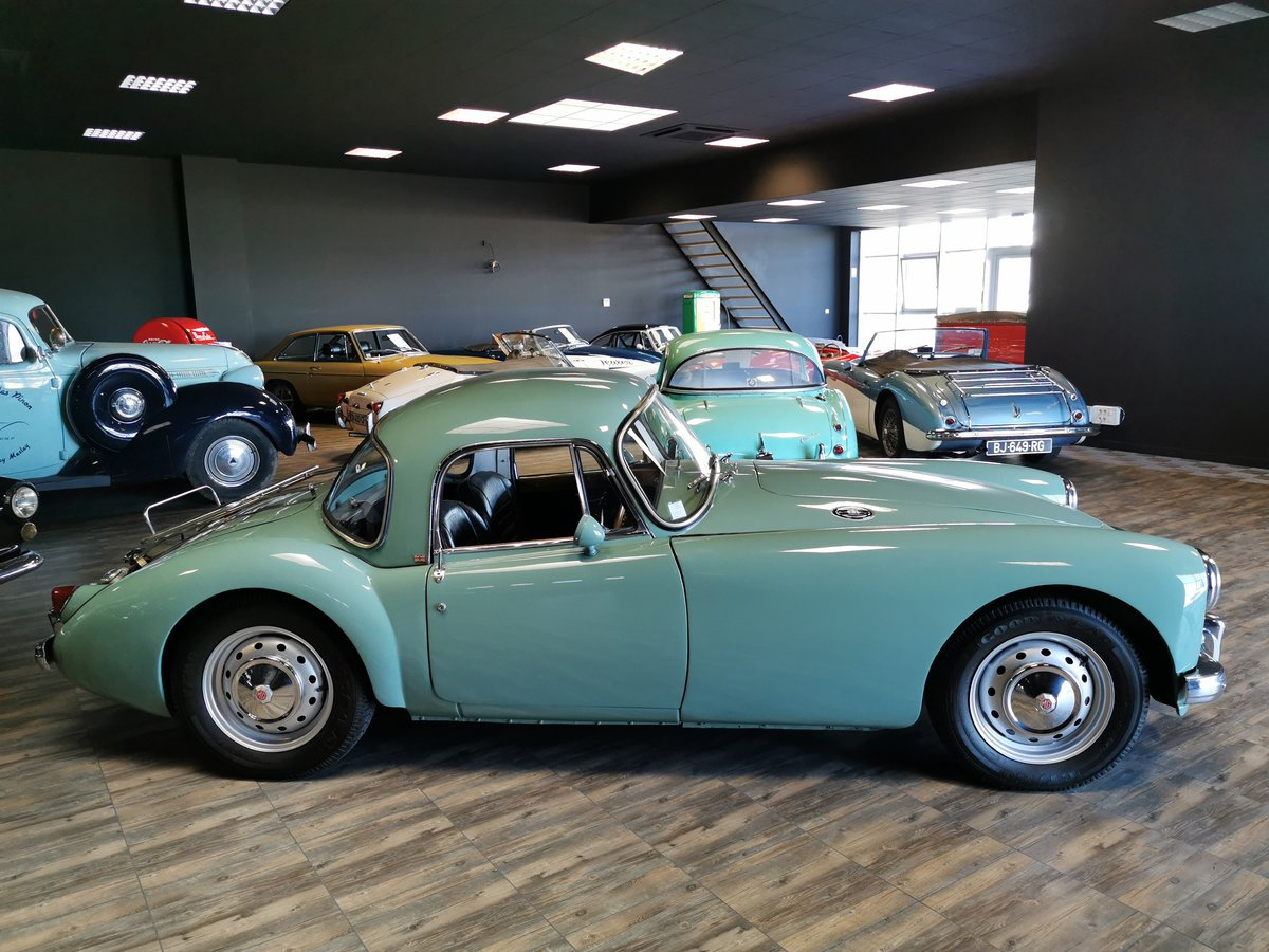 1960 MGA COUPE For Sale (picture 2 of 6)