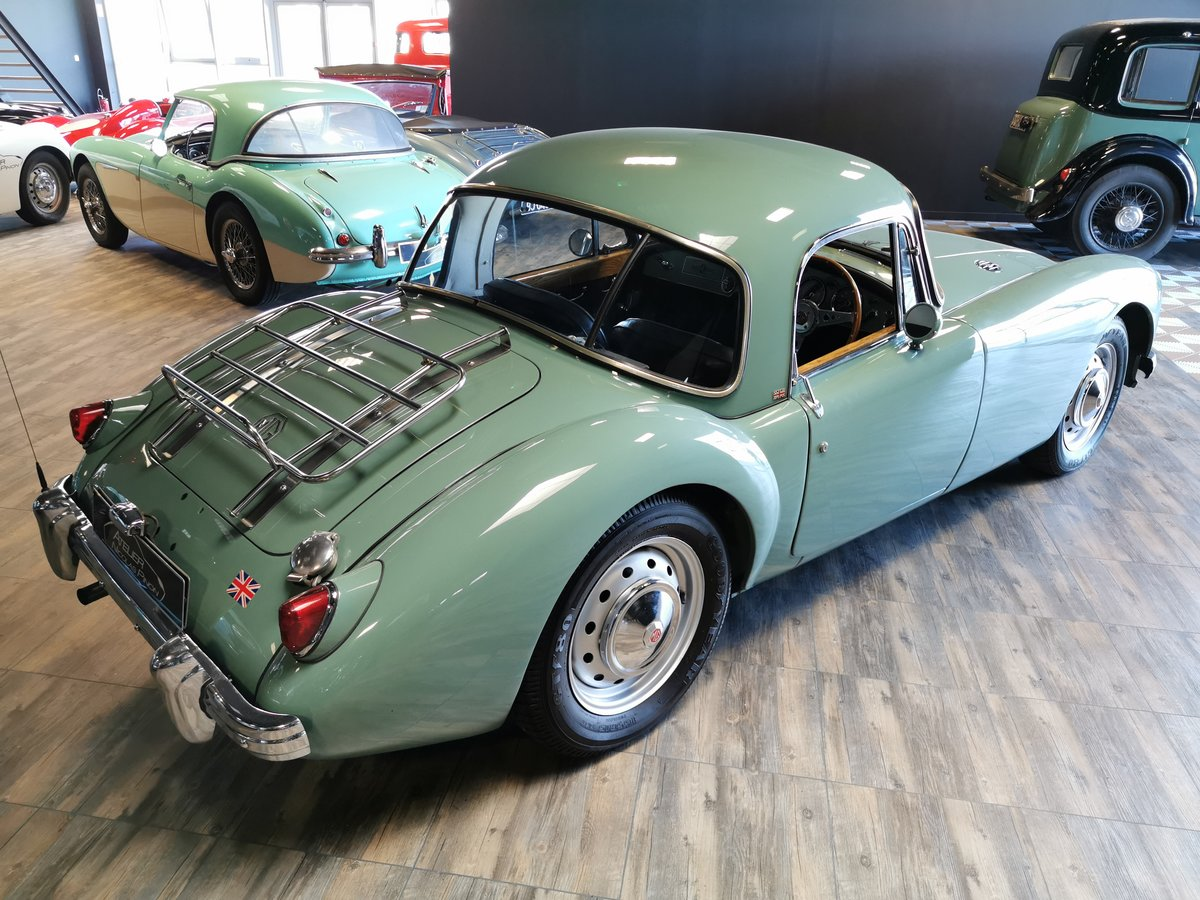 1960 MGA COUPE For Sale (picture 3 of 6)