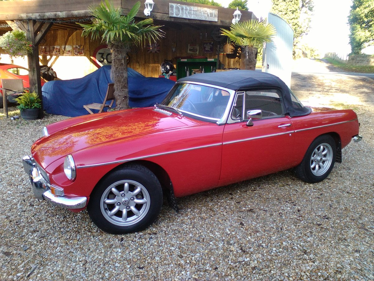 1966 BEAUTIFUL EXAMPLE 66 MGB ROADSTER  For Sale (picture 2 of 6)