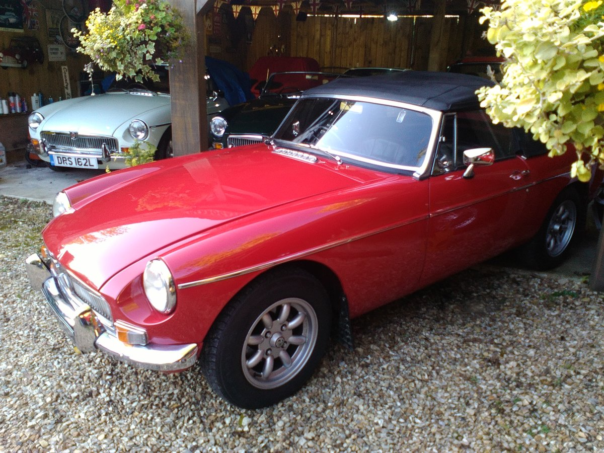 1966 BEAUTIFUL EXAMPLE 66 MGB ROADSTER  For Sale (picture 5 of 6)