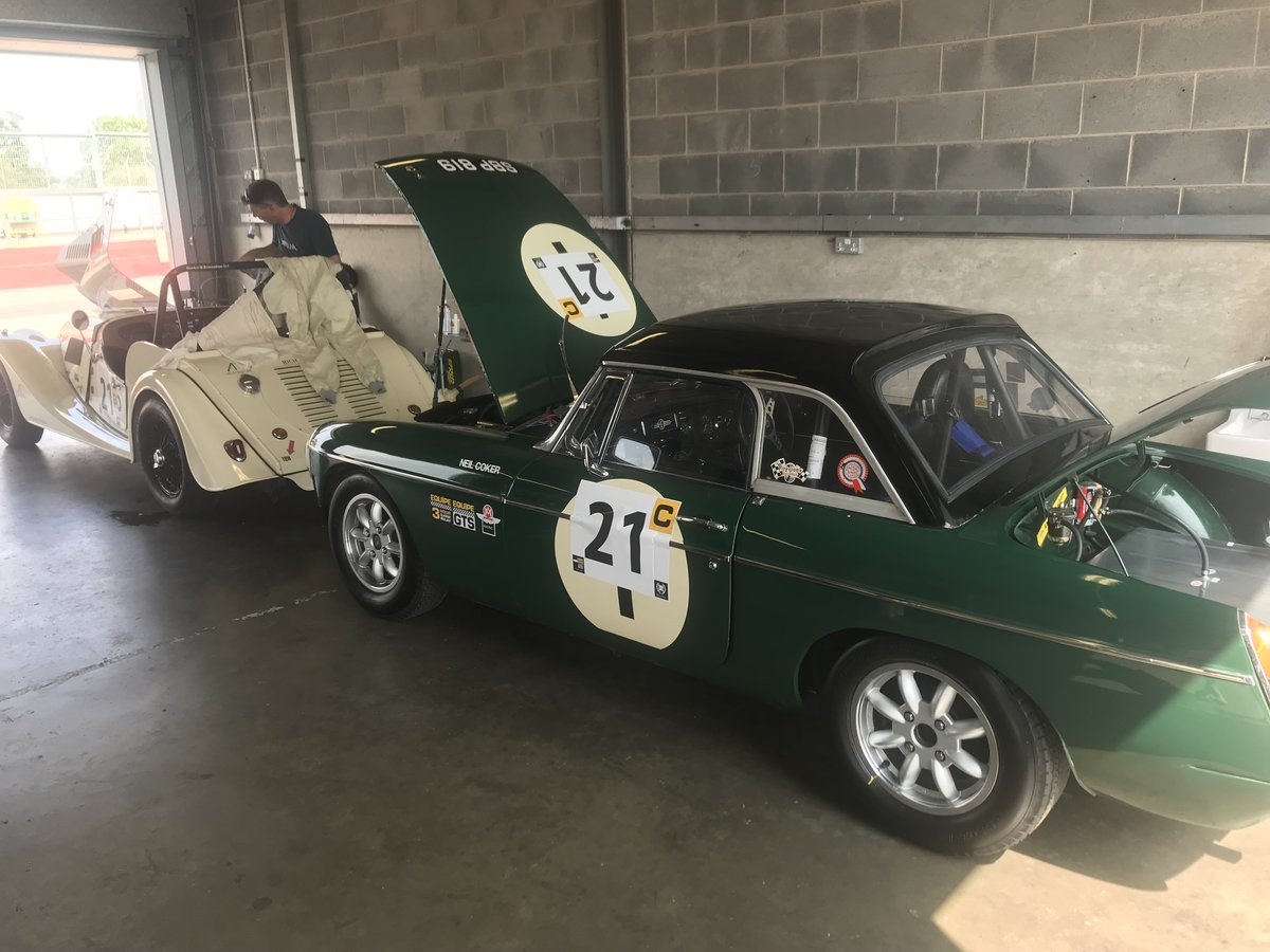 1967 MGB MK1 race car For Sale (picture 4 of 6)