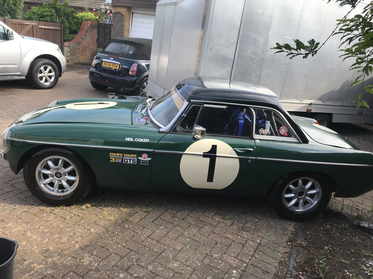 1967 MGB MK1 race car For Sale (picture 6 of 6)