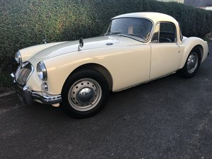 1961 MGA 1600cc Coupe Old English White LHD