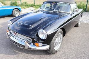 1969 MGC Roadster, Wire wheels and overdrive
