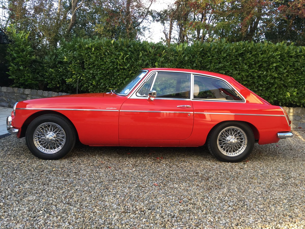 1969 MGB GT 2+2 With Overdrive For Sale (picture 2 of 6)