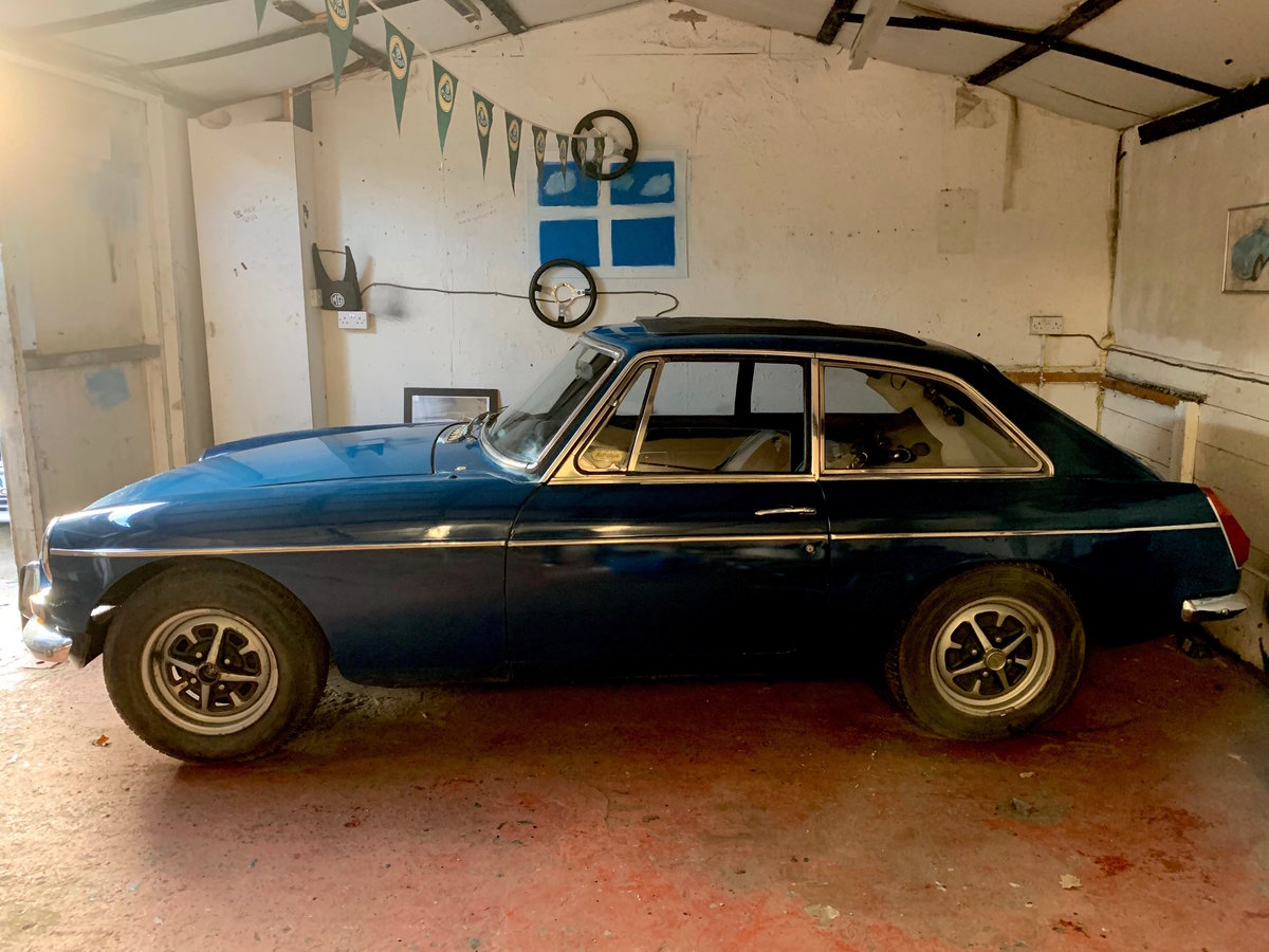 1972 MGB GT, OVERDRIVE, Webasto For Sale (picture 1 of 6)