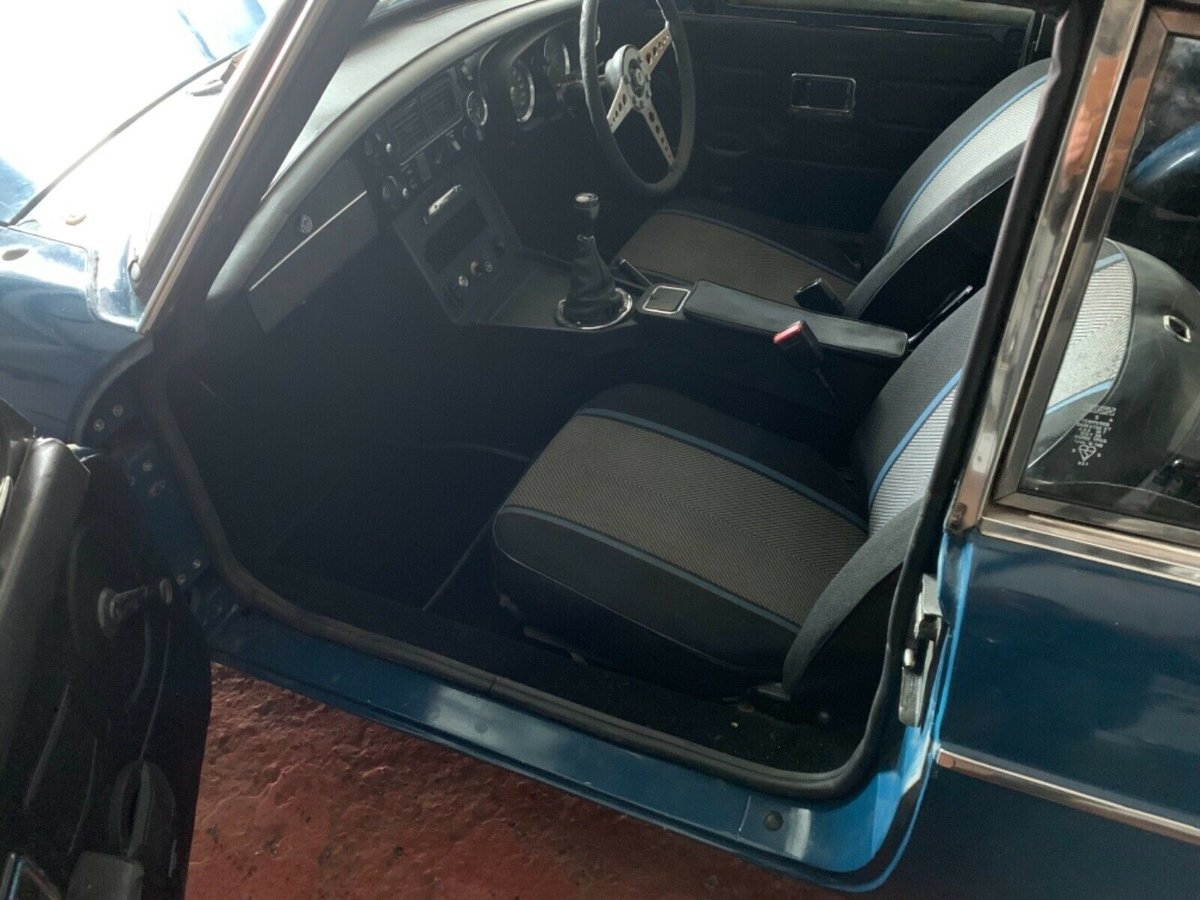 1972 MGB GT, OVERDRIVE, Webasto For Sale (picture 2 of 6)