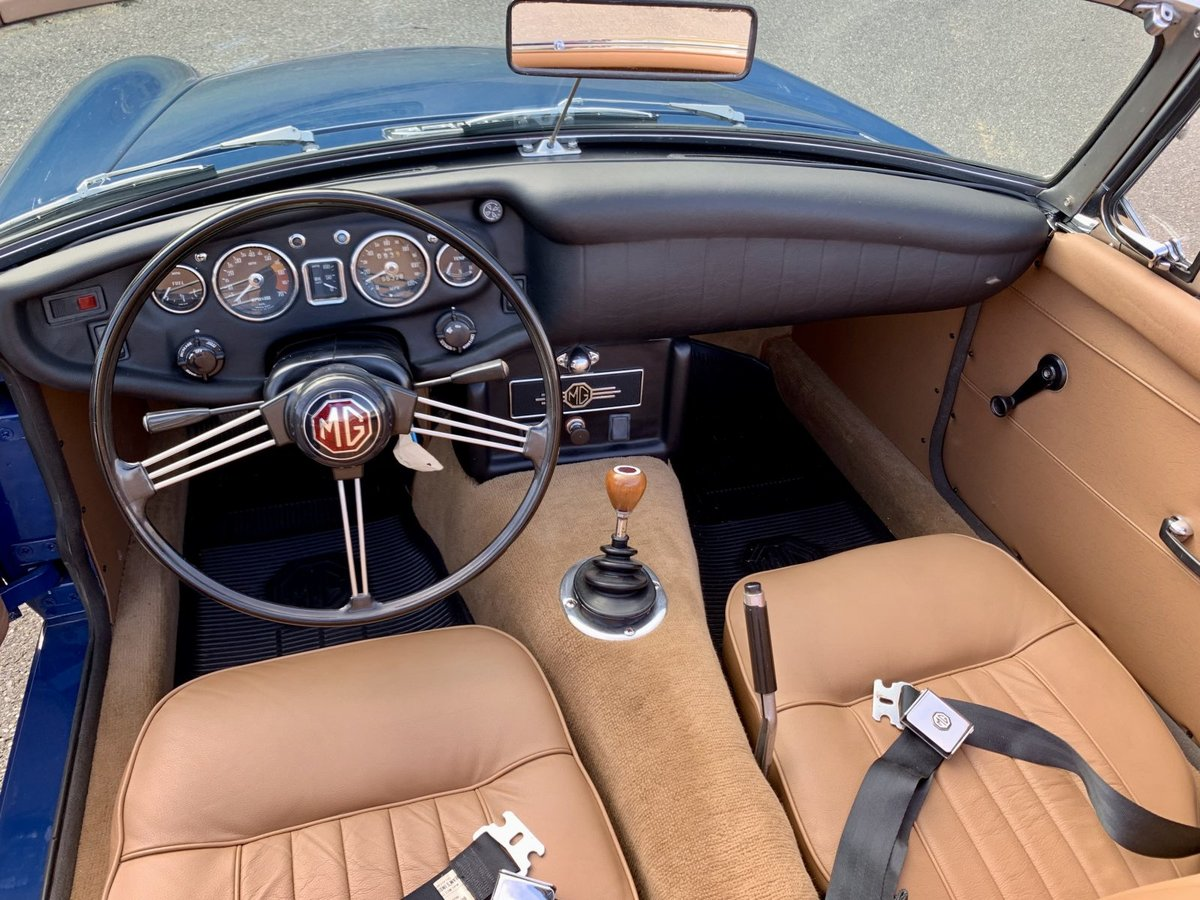 1968 MG MGB Roadster Convertible Restored Blue(~)Tan $17.9k For Sale (picture 4 of 6)
