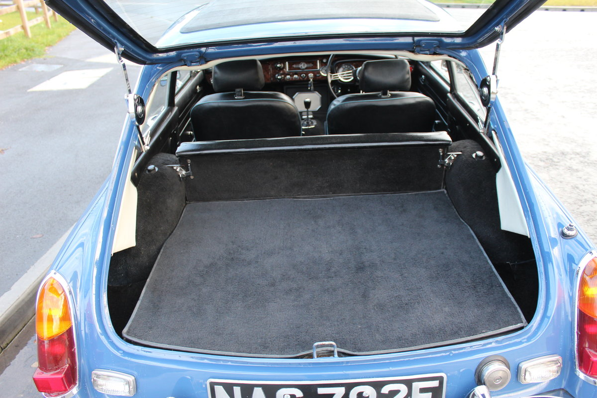 1967 MGB GT MK1 With Overdrive  , Wire Wheels  Webasto Roof SOLD (picture 3 of 6)