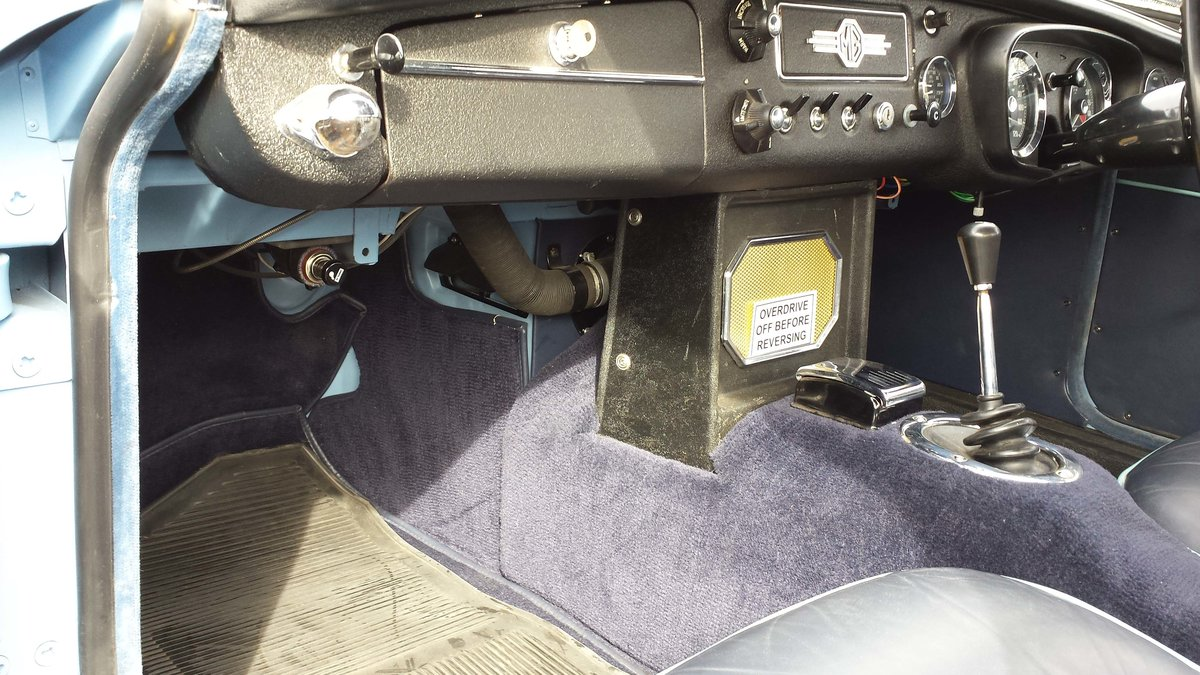 MGB 1963 pull handle, stunning in iris blue  For Sale (picture 6 of 6)