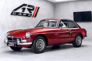 MGB V8,1976, Stunning red, super interior, 20k mil