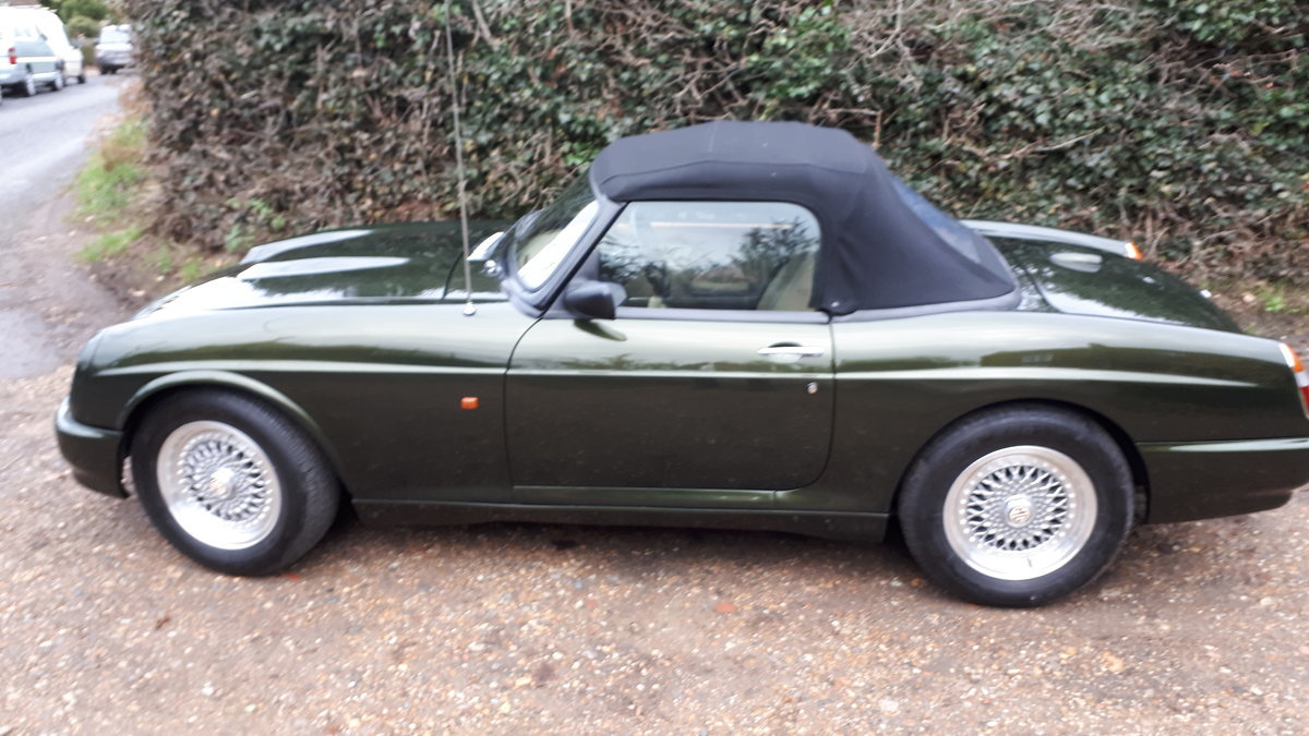 1994 MG Rover RV8  For Sale (picture 2 of 6)