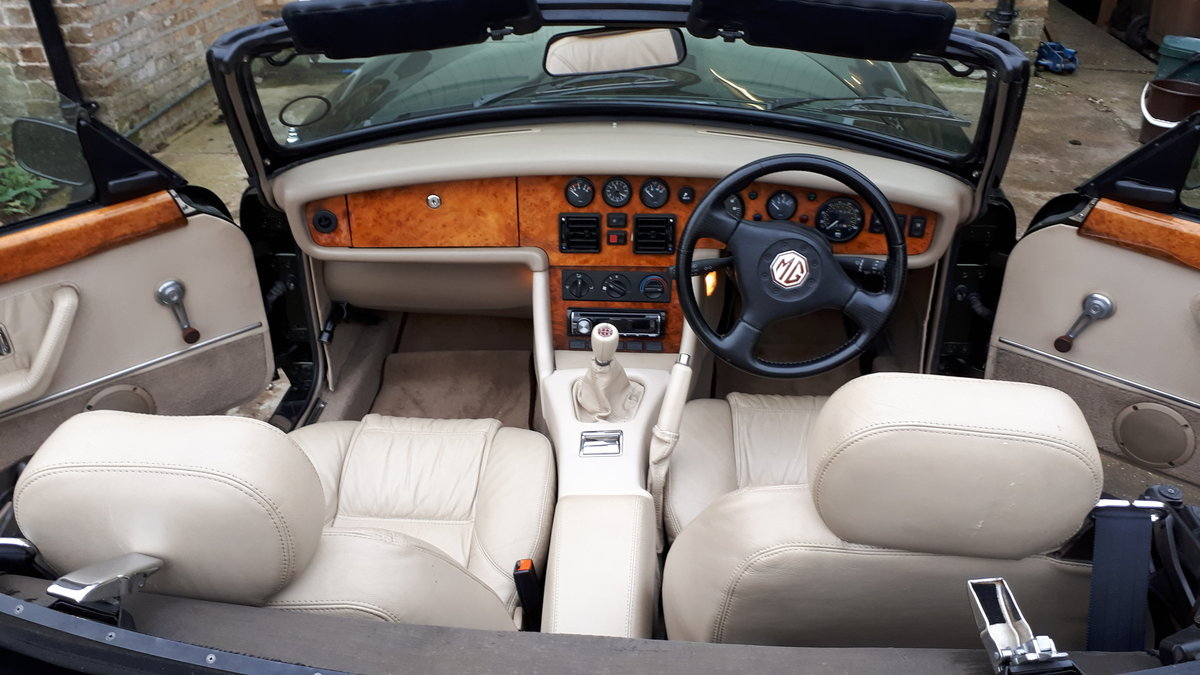 1994 MG Rover RV8  For Sale (picture 4 of 6)
