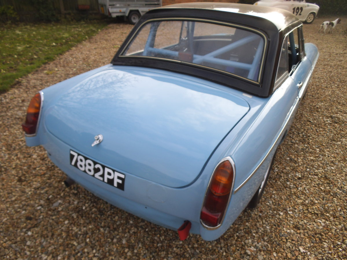 1963 MGB FIA RACE CAR For Sale (picture 3 of 6)