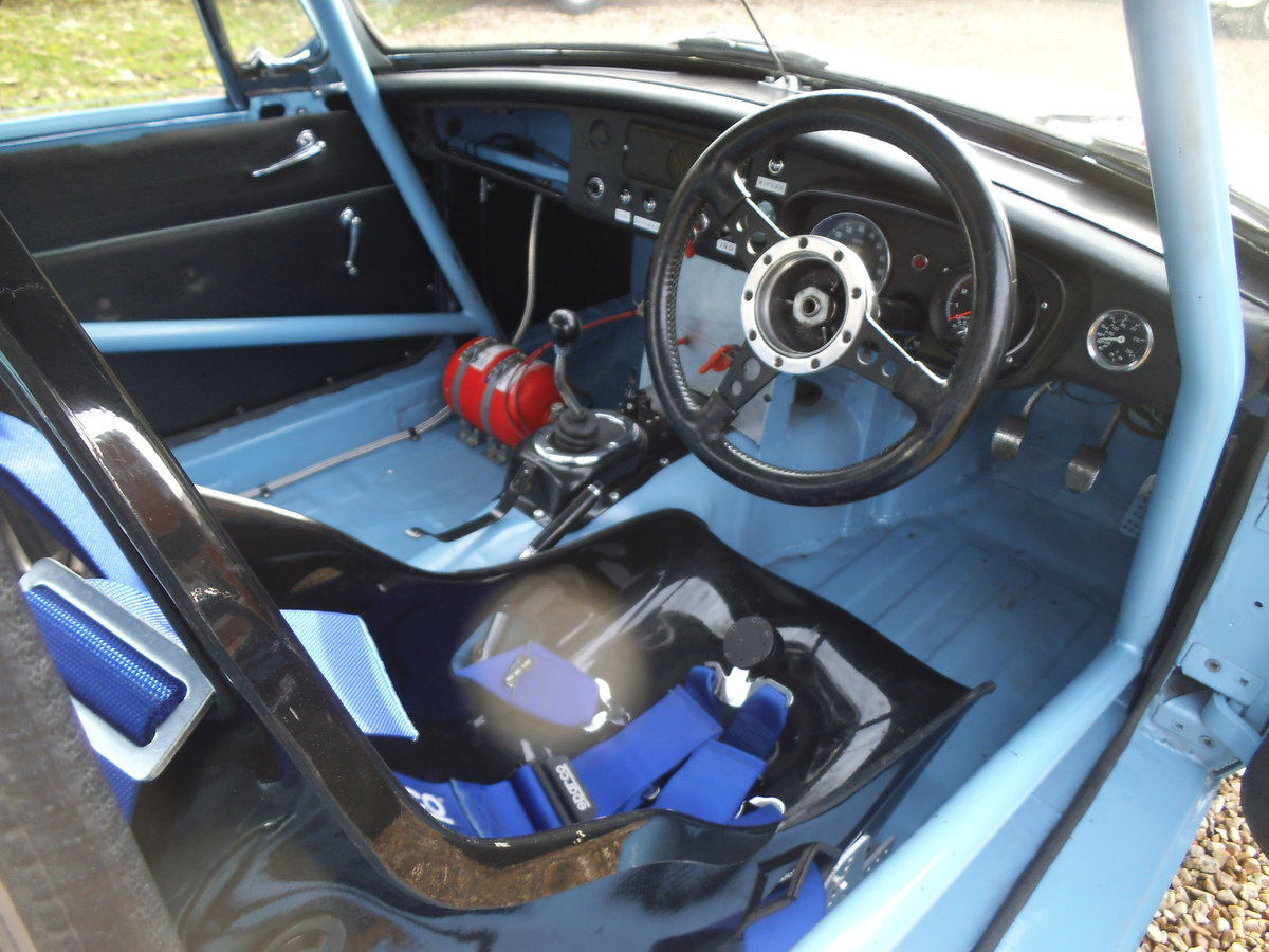 1963 MGB FIA RACE CAR For Sale (picture 4 of 6)