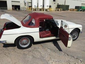 1967 MGB Roadster - LHD