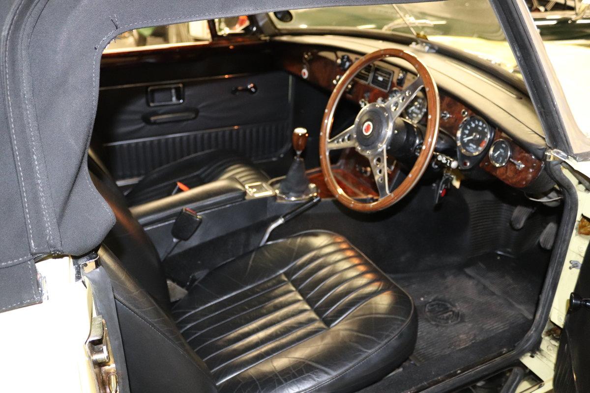 1974 MGB V8 ROADSTER,HERITAGE SHELL, Factory V8 spec. SOLD (picture 6 of 6)