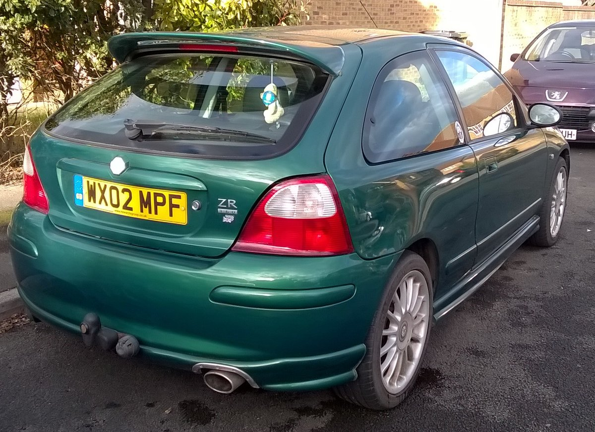 2002 MG ZR 160 VVC STANDARD SPEC  LE MANS GREEN For Sale (picture 2 of 6)