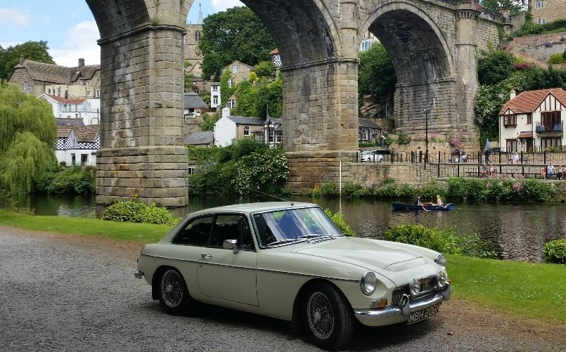 1969 MGC GT fully restored power steering & overdrive For Sale (picture 1 of 6)