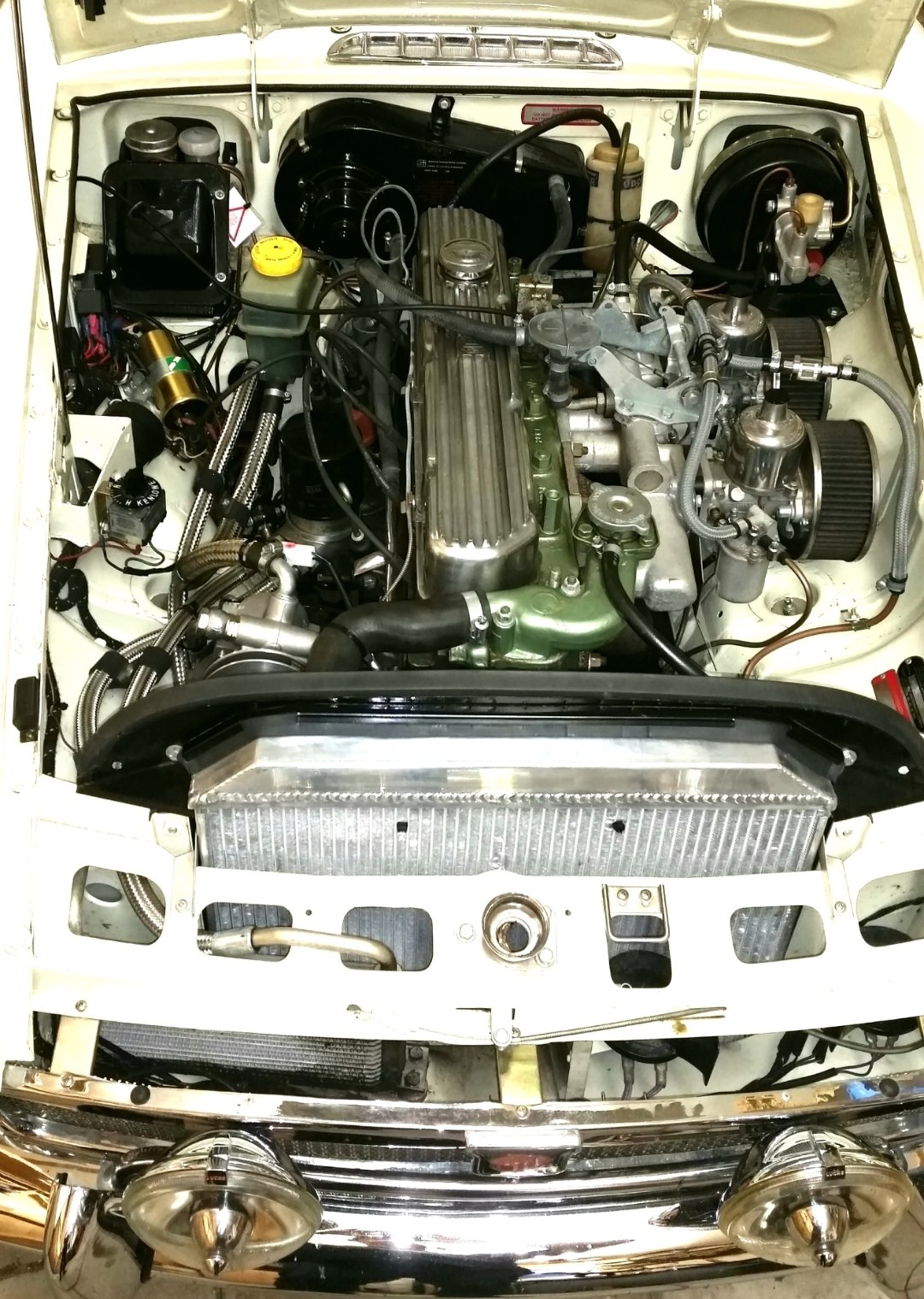 1969 MGC GT fully restored power steering & overdrive For Sale (picture 2 of 6)