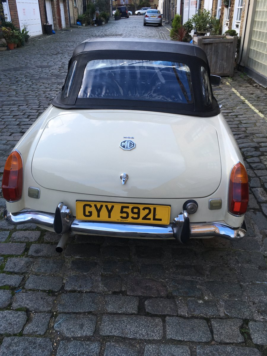 1972 MGB Roadster in Old English White For Sale (picture 1 of 5)