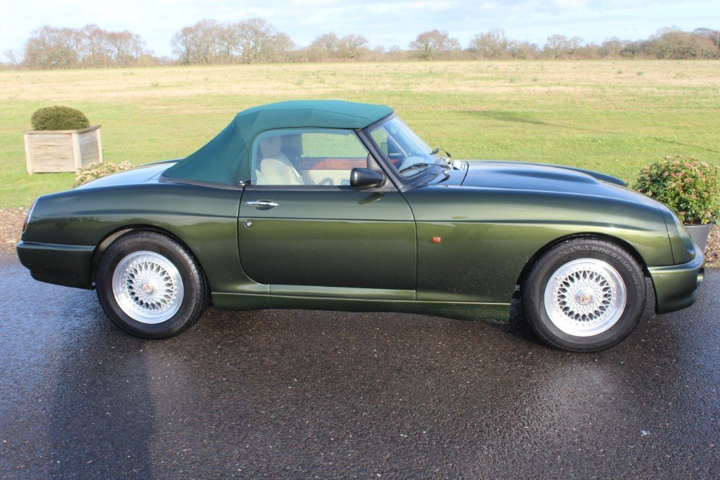 1995 MG RV8, 23500 MILES RECORDED For Sale (picture 4 of 6)