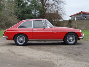 MG B GT, 1970, Red, Overdrive