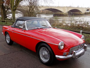 1972 MGB MKIII ROADSTER - REBUILT WITH NEW HERITAGE BODY SHELL For Sale
