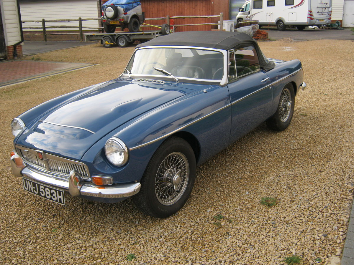 1969 MGC ROADSTER. RECENTLY RESTORED. OSELLI ENGINE MINERAL For Sale (picture 2 of 6)