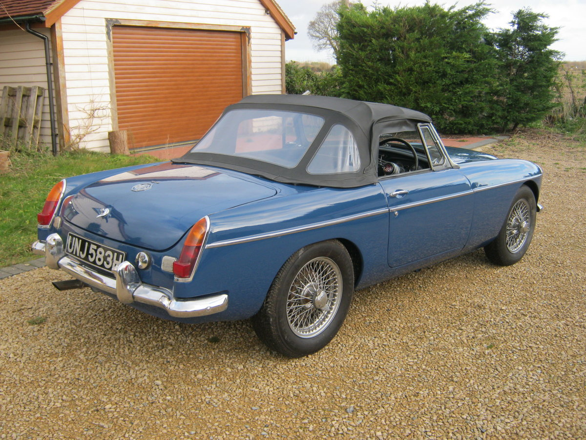 1969 MGC ROADSTER. RECENTLY RESTORED. OSELLI ENGINE MINERAL For Sale (picture 4 of 6)