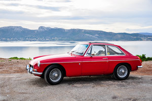 1972 MGB GT excellent condition with webasto roof For Sale